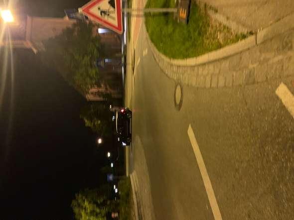 Unfall nach einfahren in den Kreisverkehr, wer ist schuld?